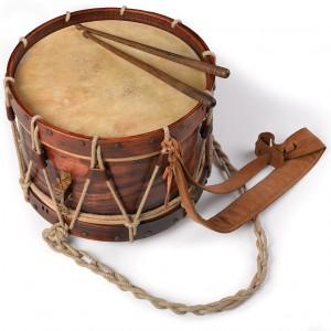 Reprodución dun tambor de principios do século XX realizada polo autor. Diámetro 41 cm.  Fotografía Alba Vázquez Carpentier.