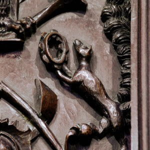 Alegorías dun gaiteiro, ferreñeiro, tamboriteiro e violinista no cadeirado do coro da catedral  de Lugo, obra de Francisco de Moure (Ourense) do 1624. Fotografías do autor.