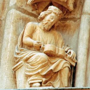 Zanfonista da porta sacramental da catedral de Burgos (s. XIII).   Fotografías do autor.