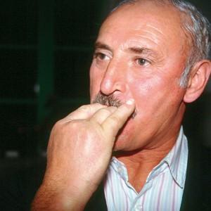 Ramón Torres Quinteiro (O Vento, O Pino,  A Coruña) asubiando cos dedos. Fotografía do autor.