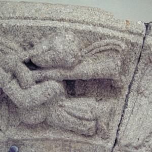 Gaiteiro representado nunha doela do mosteiro de Santa Catarina de Montefaro (Ares, A Coruña, 1330) hoxe conservado no museo de Belas Artes da Coruña. Fotografía de Javier María López Rodríguez.