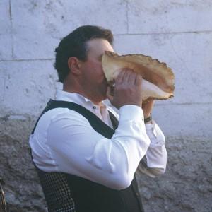 Tocador de buguina no antroido de Vilariño de Conso (Ourense). Fotografía do autor.