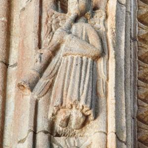 Anxo trompeteiro na igrexa de San Francisco de Betanzos (A Coruña, s. XIV). Fotografía do autor.