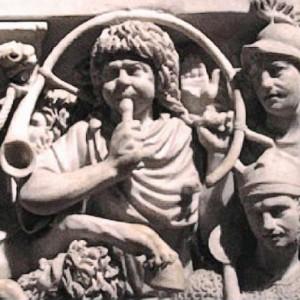 Tocador de cornus romano representado  no sarcófago Ludovisi (s. III).