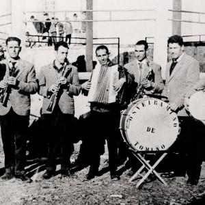 A murga Os Veiramiño de Tomiño (c. 1960). Arquivo do autor.